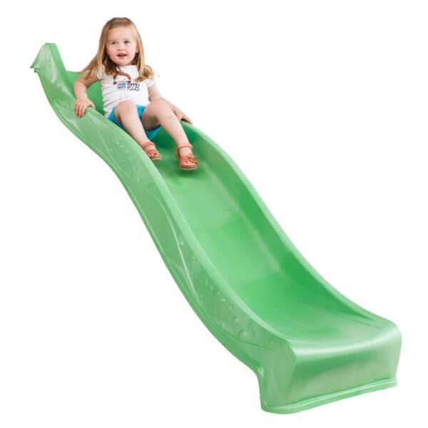 műanyag zöld tweeb csúszda és kislány