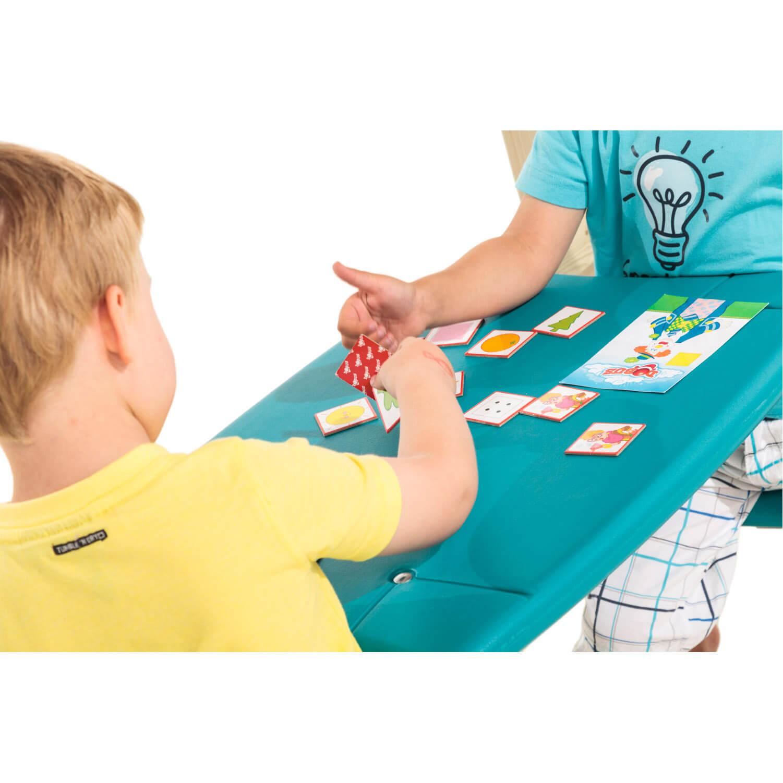 játszótéri asztalka paddal közelről